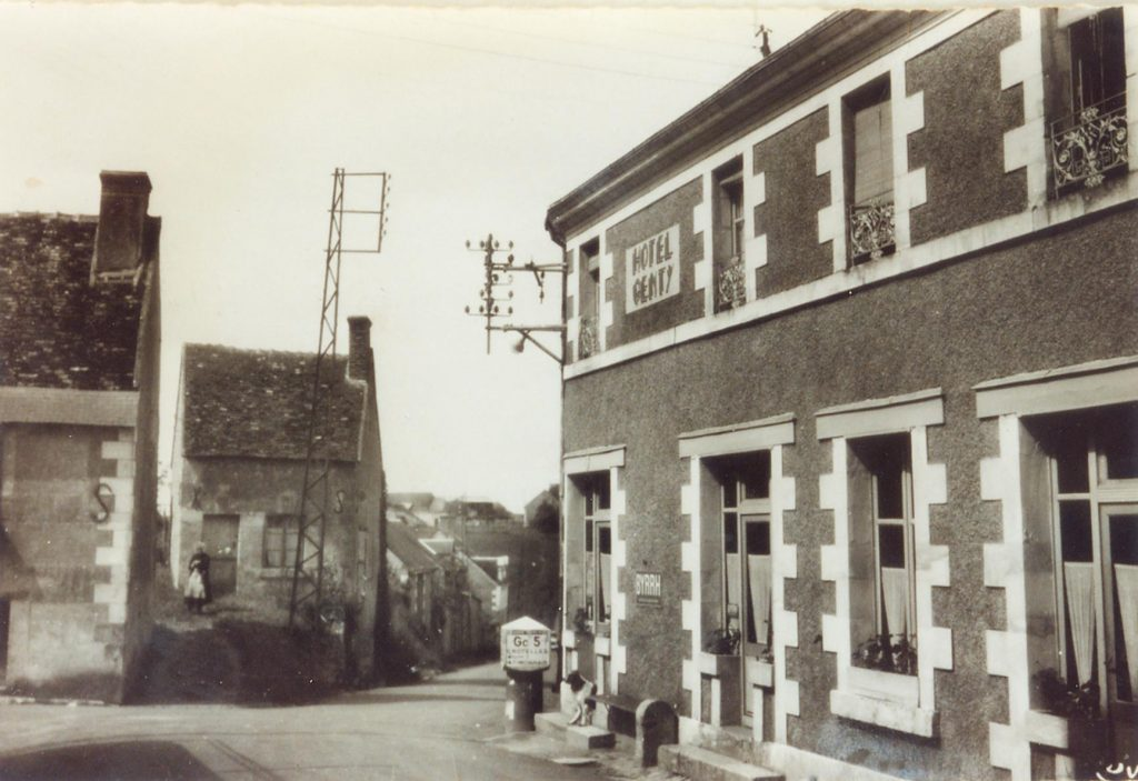 La Route de Tours (Rue du Prieuré)